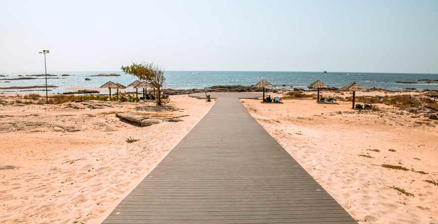 strand des Kairaba Mirbat Resort im Oman