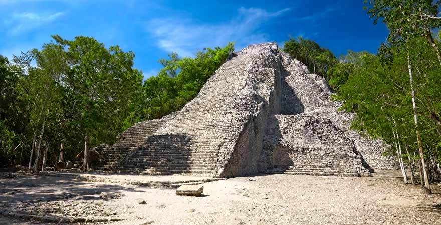 Nohoch Mul Maya Pyramide Coba auf Yucatan in Mexiko