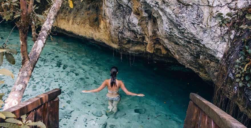 Cenote auf Yucatan in Mexiko