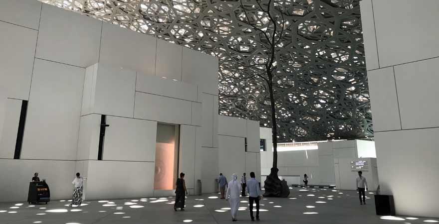 Louvre Abu Dhabi in den VAE