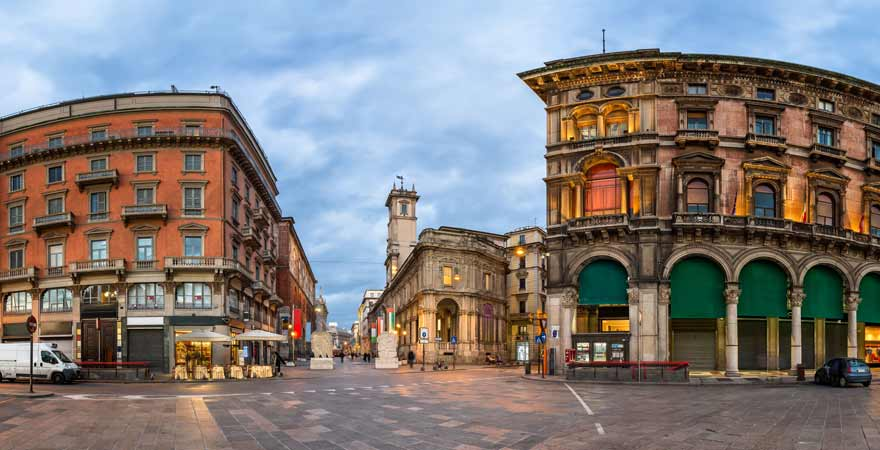 Piazza dei Mercanti in Mailand in Italien