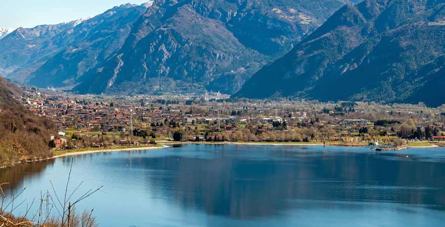 Lago d'Idro in Italien