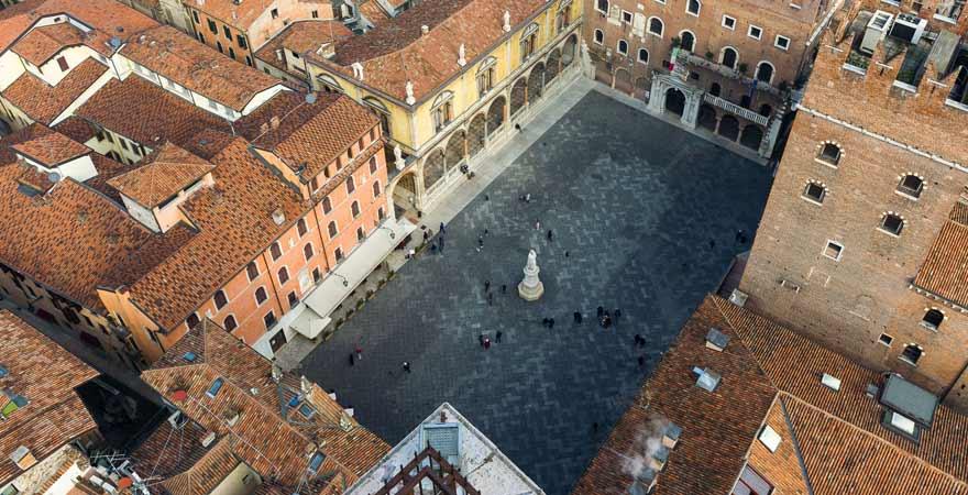 Piazza dei Signiori in Verona in Italien