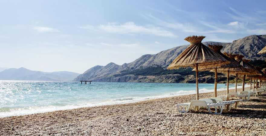 Strand Baska auf Krk in Kroatien