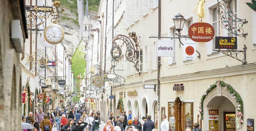 Getreidegasse in Salzburg in Österreich
