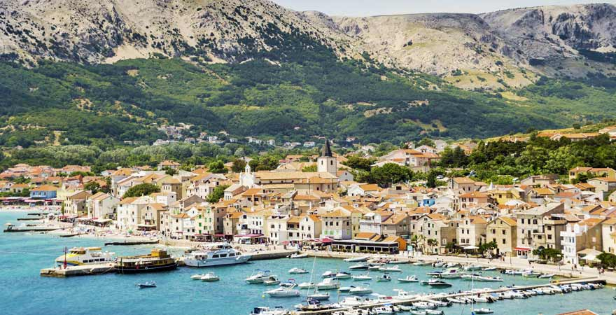 Hafen von Pula in Kroatien