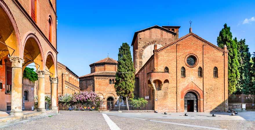 Piazza Santo Stefano in Bologna in Italien
