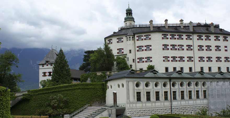Schloss Ambras in Innsbruck in Österreich