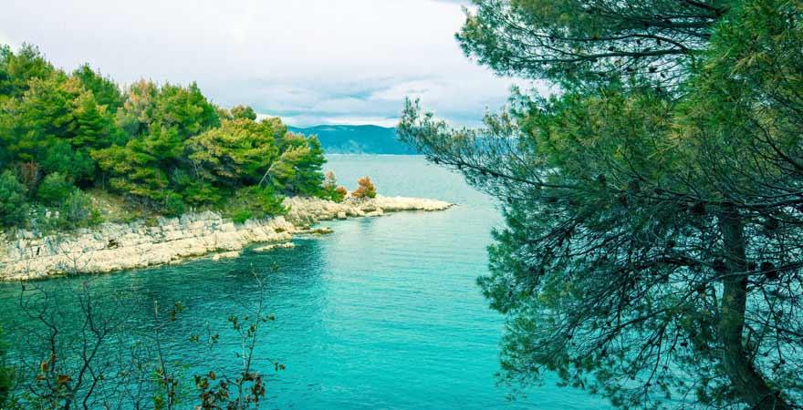 Strand von Rabac in Kroatien