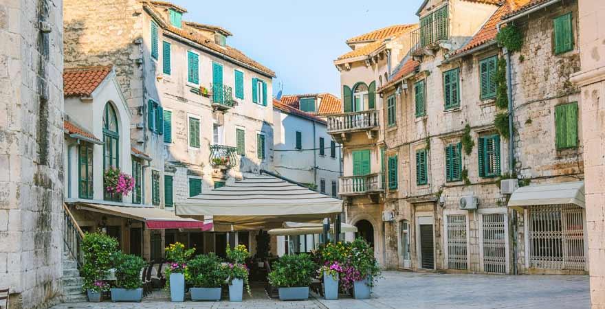 Trg Brace Radica Obstplatz in Split in Kroatien