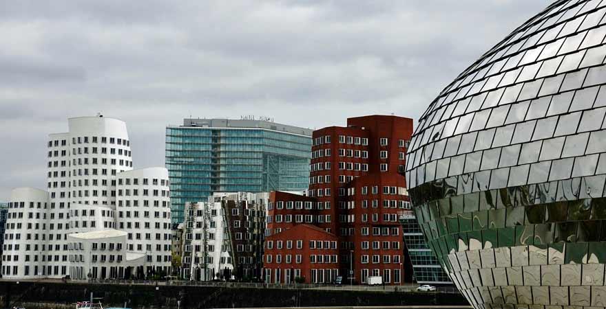 Ghery Bauten in Düsseldorf
