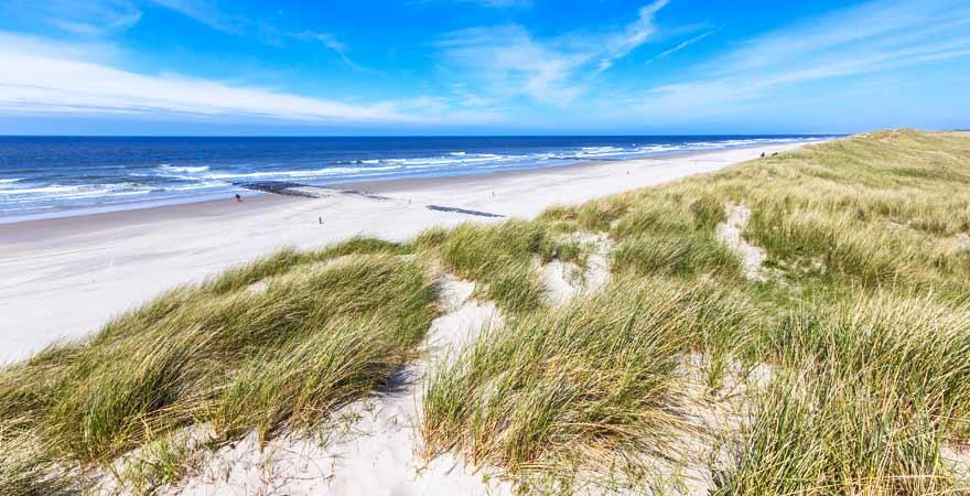 Strand bei Schiermonnigkoog in den Niederlanden