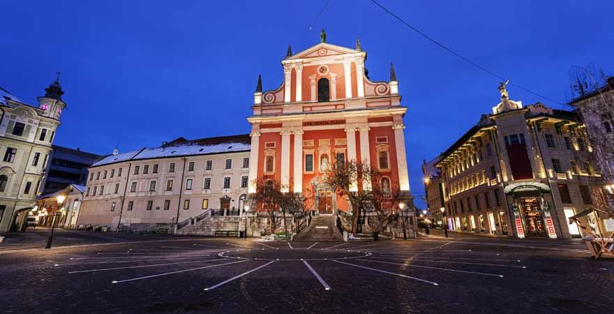 Franziskanerkirche auf dem Preseren Platz in Ljubljana in Slowenien