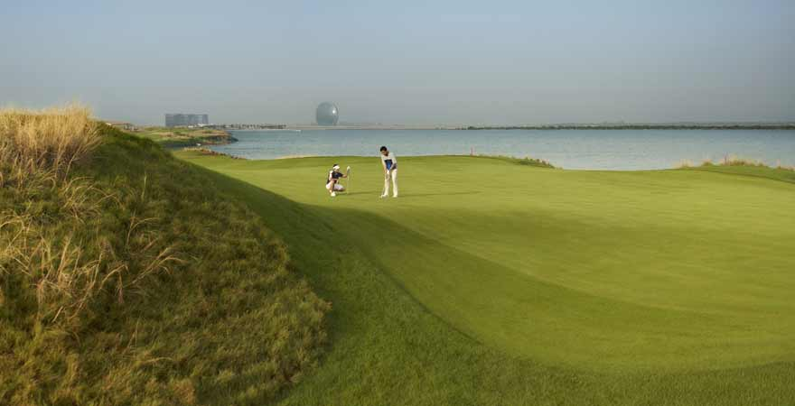 Golfplatz Yas Links in Abu Dhabi