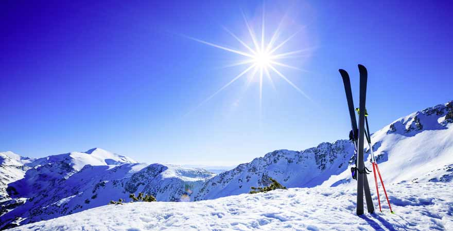 Ski im Skigebiet in slowenien