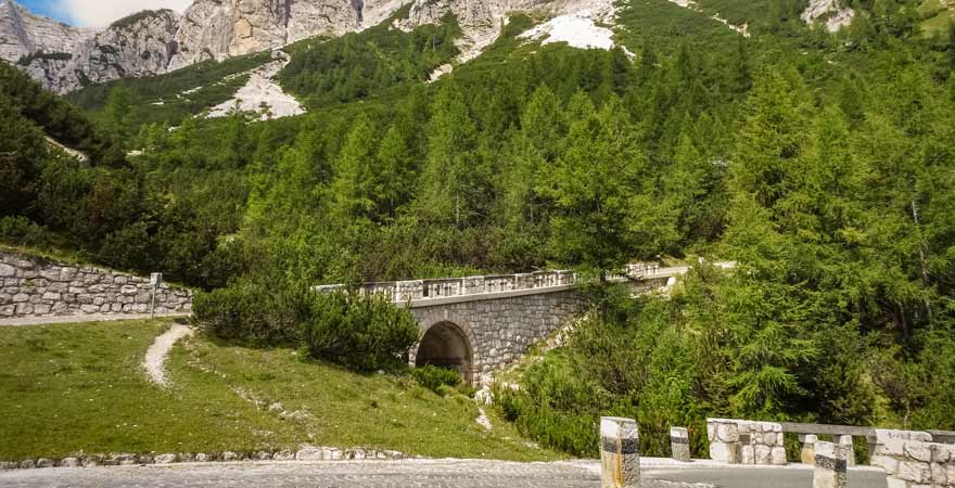 Vrsic Straßenpass in den Julischen Alpen in Slowenien