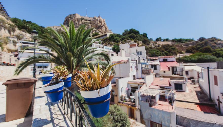 Blick auf El Barrio in Alicante