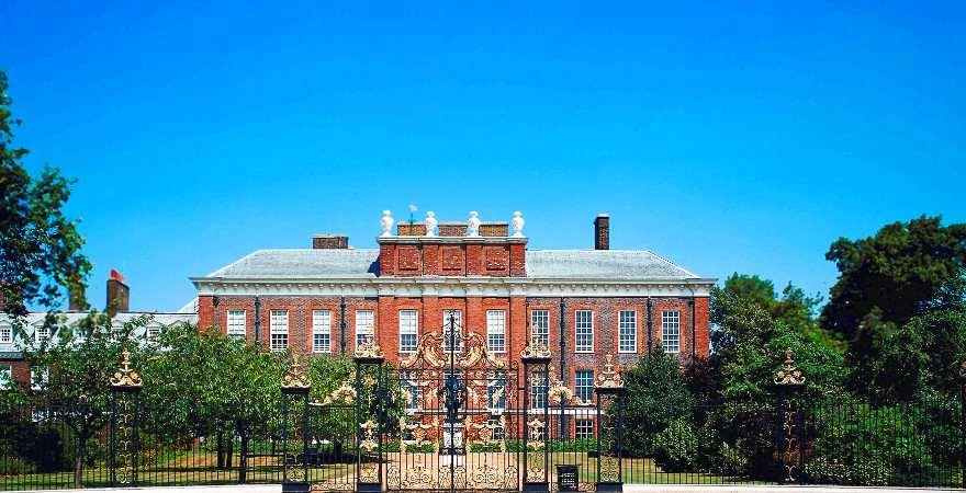 Der Kensington Palace in London liegt am Hyde Park