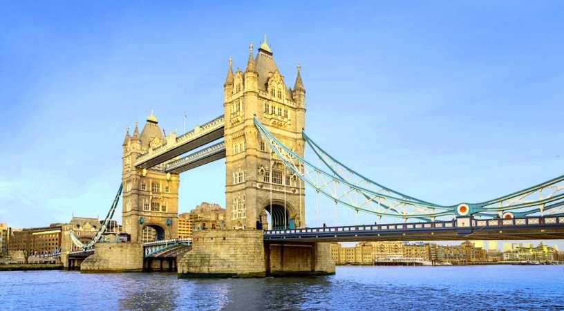 Eines der Wahrzeichen von London ist die Tower Bridge
