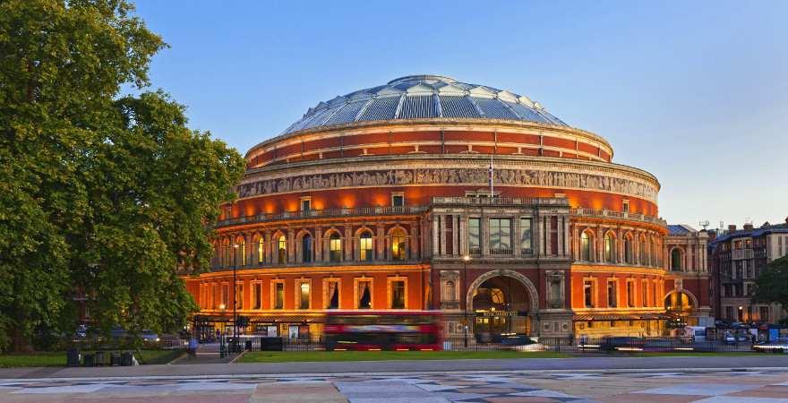 Die Royal Albert Hall in Lonons Stadteil South Kensington