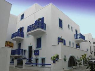 Al Mare Studios & Rooms