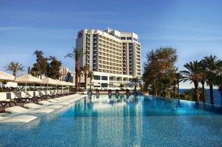 Akra V Hotel
