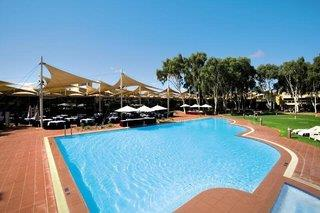 Ayers Rock Resort - Sails in the Desert