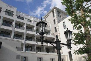 White Rock Castle Suite Hotel