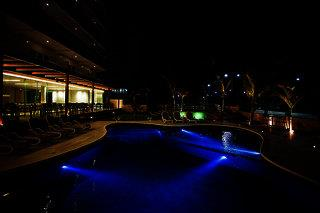 Crocobeach Hotel