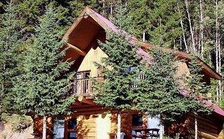 Helmcken Falls Lodge