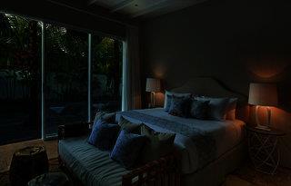 Room & Vespa 4