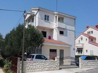 Burmeta Apartments