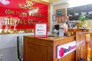 RedDoorz near Saigon Train Station 2