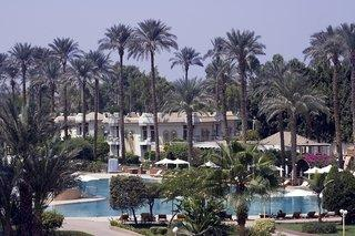 Cataract Pyramids Resort