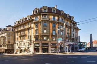 Swiss Wine Hotel & Bar by Fassbind