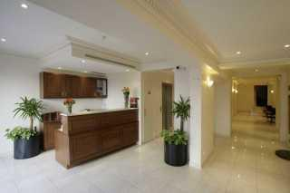 121 Paris Hotel