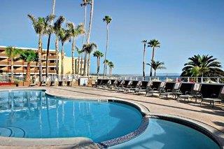 Sea Crest OceanFront Hotel