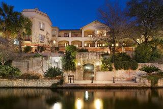 Indigo San Antonio Riverwalk Area