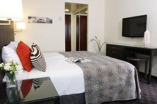 Metropolitan Hotel & Suites